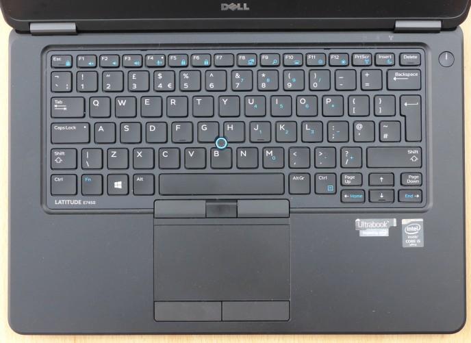 Bàn phím và touchpad